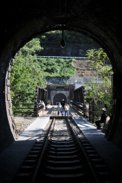 ぶどうとワインの町『勝沼』散策・大日影トンネル遊歩道