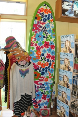 Dear Surf・女性向けサーフィン誌「HONEY」