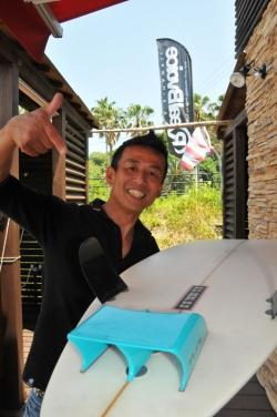 RealBvoice・転調Toshihiro Kusanoさんのフィンは非売品で希少な四角