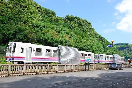 TR鉄道跡地散策コースと、列車の宿