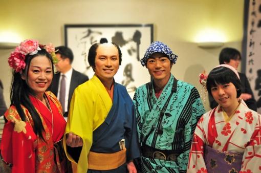 宮田若奈のチンドン日和DX・出演者 花ふぶき一座、アダチ宣伝社