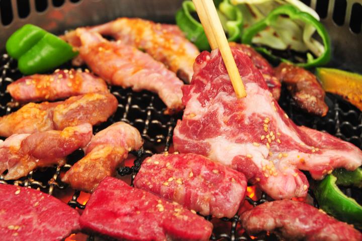 お腹がすいてくる焼き肉。