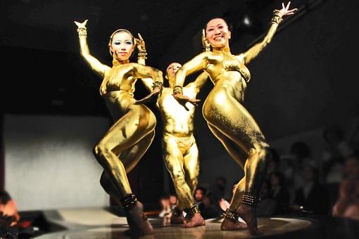 別府現代芸術フェスティバル2012 別府混浴温泉世界 The NOBEBO・金粉ショー