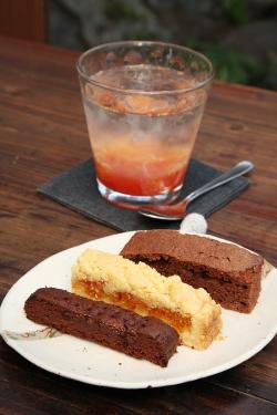 ここちカフェむすびの・ケーキ2種盛り