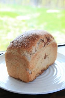 ぶらうにい・いちご酵母の食パン(シナモンシュガー)