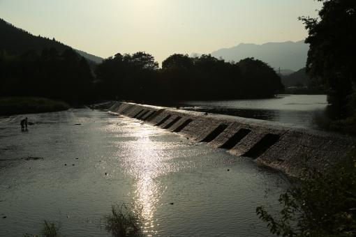 佐藤焼酎製造場蔵見学・蔵前の祝子川
