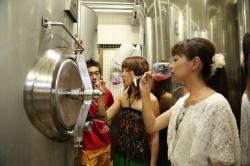 ひでじビール蔵見学・紫芋のビール試飲