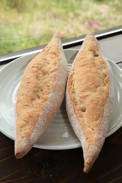 ぶらうにい・レーズン酵母のフランスパン