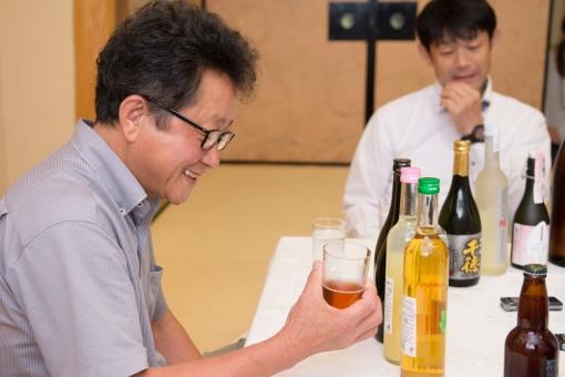 三蔵鼎談・ひでじビール今月の蔵出し試飲風景