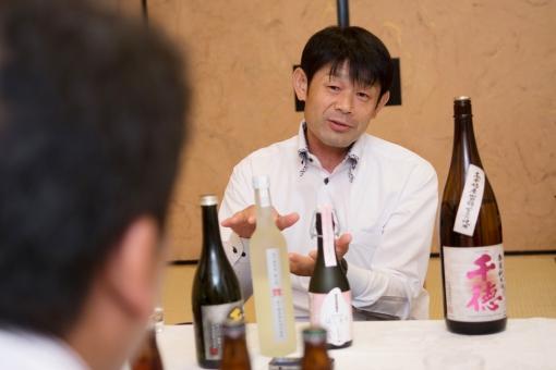 三蔵鼎談・千徳酒造 純米酒千徳 試飲風景