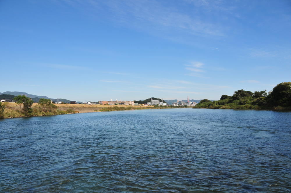 千徳酒造蔵見学・千徳酒造近くを流れる大瀬川