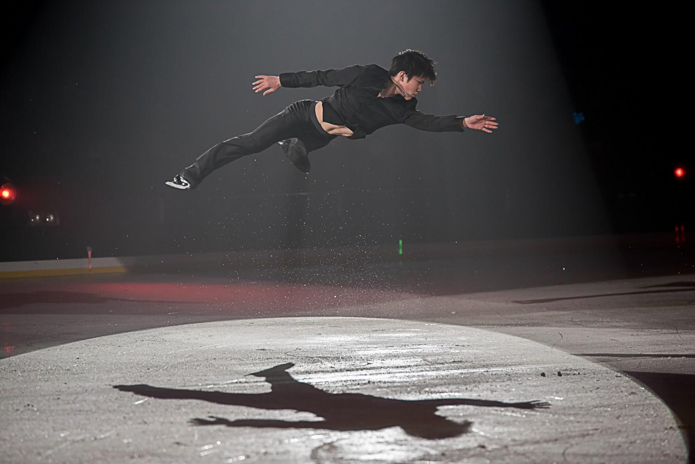 プリンスアイスワールド J-POPS! 熊本公演 レポートプリンスアイスワールドでは初めての熊本公演が開催された。 世界を舞台に活躍するスケーターが、 J-POPSの名曲にのせて華麗な演舞で観客を魅了。 スケーターと観客がシンクロする氷上のミュージックファンタジーで、 熊本に感動と笑顔の花を咲かせた。