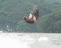 空飛ぶウェイクボード