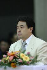 松井章圭館長
